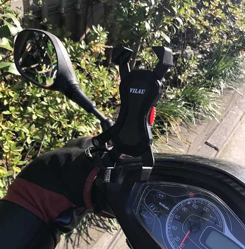 バイクのスマホホルダー自分の①